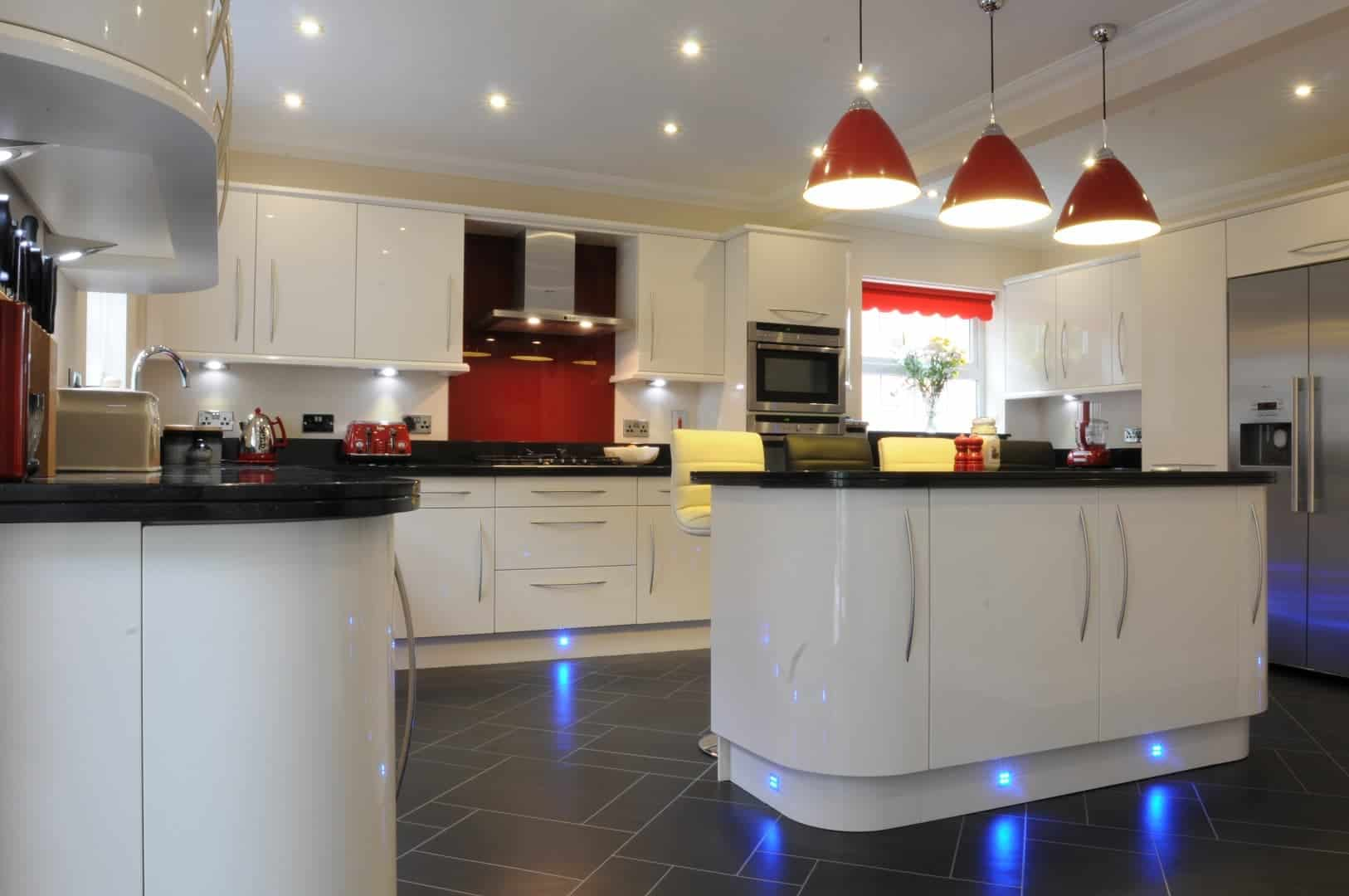 Modern kitchen and lighting